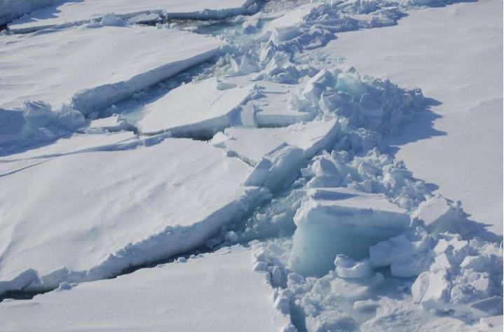Arctic ice melt could trigger uncontrollable climate change at global level